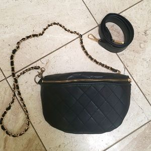 Quilted black Crossbody bag or fanny pack